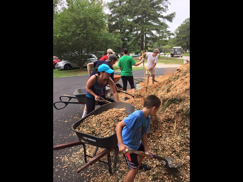 04 garden workers with new mulch - autumn 2015